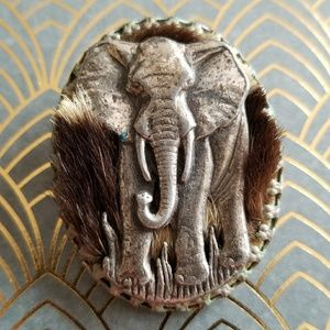 Vintage Simba Elephant brooch Africa safari pin